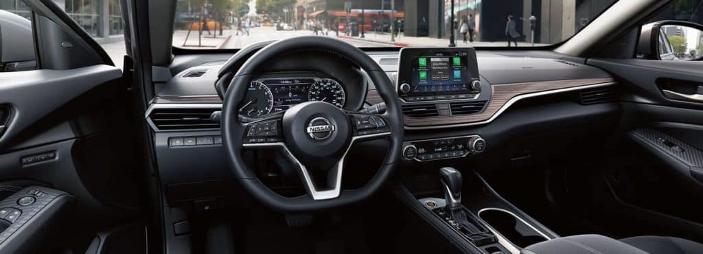 2019-Nissan-2