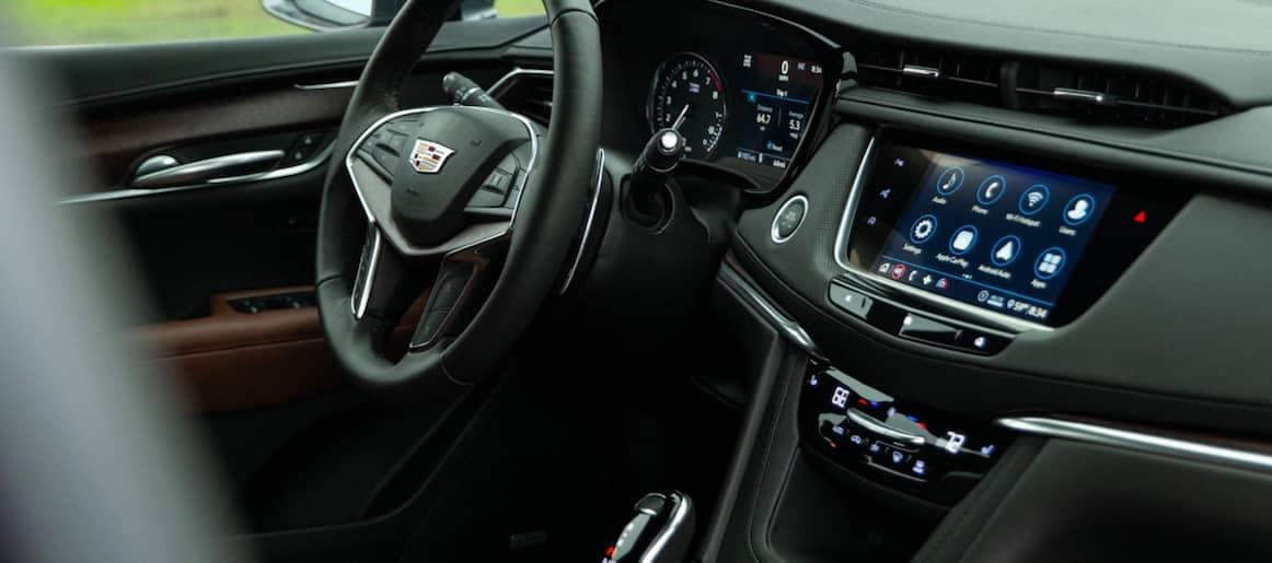 2021 Cadillac XT5 interior dashboard