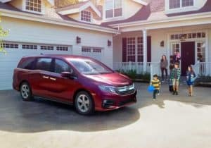 2019 Honda Odyssey in front of family