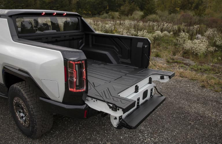 2022 GMC HUMMER EV Exterior Truck Bed with Open Tailgate