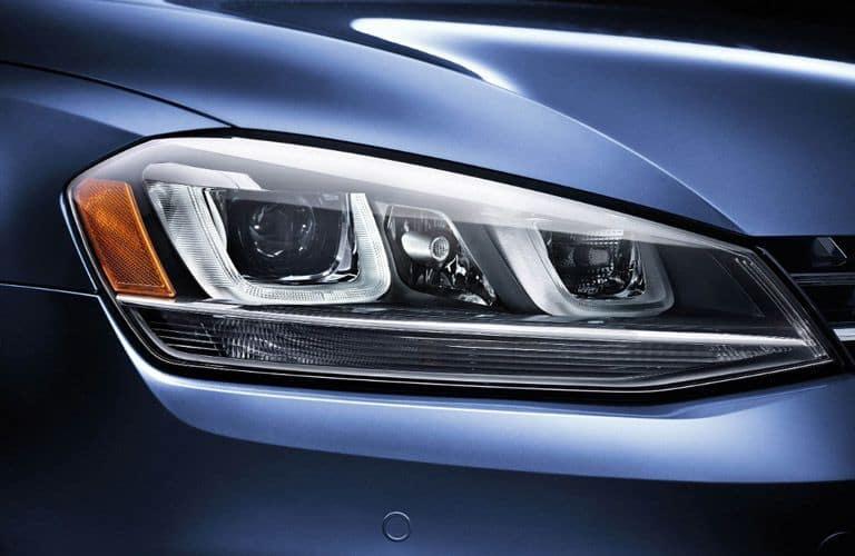 2017_Volkswagen_Sportwagen-B1b_o