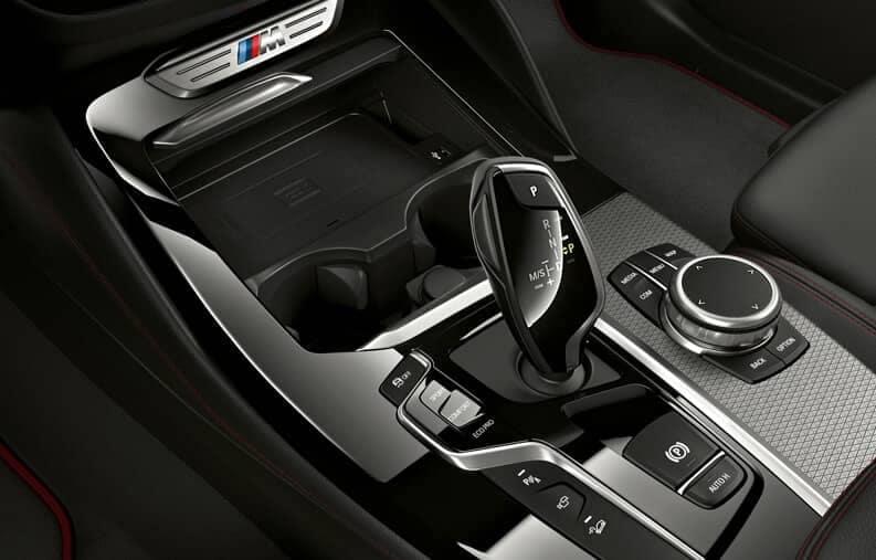 BMW-MY19-XSeries-X4-Highlight-07