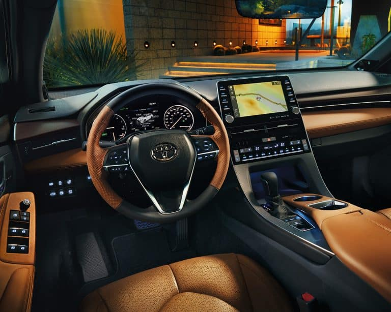 toyota-2019-avalon-interior-limited-cognac-l1-768x614