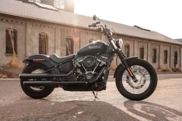 https://di-uploads-development.dealerinspire.com/dibrandhubharleydavidson/uploads/2019/08/SoftailStreetBob01.jpg