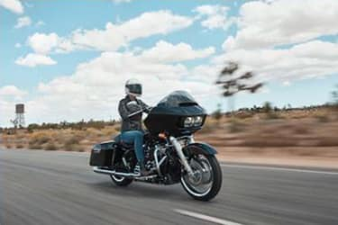 https://di-uploads-development.dealerinspire.com/dibrandhubharleydavidson/uploads/2019/08/TouringRoadGlide04.jpg