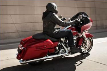 https://di-uploads-development.dealerinspire.com/dibrandhubharleydavidson/uploads/2019/08/TouringRoadGlide08.jpg
