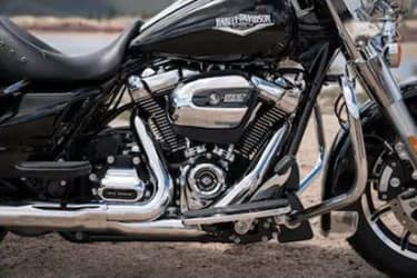 https://di-uploads-development.dealerinspire.com/dibrandhubharleydavidson/uploads/2019/08/TouringRoadKing01.jpg