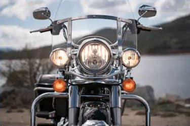 https://di-uploads-development.dealerinspire.com/dibrandhubharleydavidson/uploads/2019/08/TouringRoadKing04.jpg