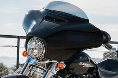 https://di-uploads-development.dealerinspire.com/dibrandhubharleydavidson/uploads/2019/08/TouringStreetGlide06.jpg