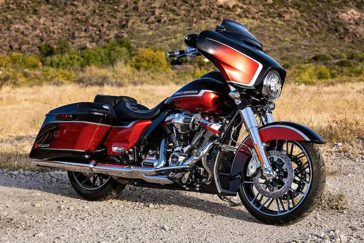 https://di-uploads-development.dealerinspire.com/dibrandhubharleydavidson/uploads/2021/01/2021-CVO-StreetGlide-Gallery-01.jpg