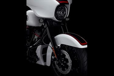 https://di-uploads-development.dealerinspire.com/dibrandhubharleydavidson/uploads/2021/01/2021-CVOStreetGlide-Features-04.jpg