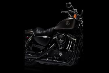 https://di-uploads-development.dealerinspire.com/dibrandhubharleydavidson/uploads/2021/01/2021-Iron883-Features-02.jpg