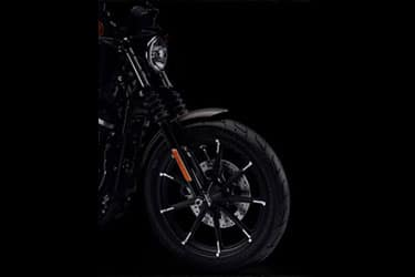 https://di-uploads-development.dealerinspire.com/dibrandhubharleydavidson/uploads/2021/01/2021-Iron883-Features-06.jpg