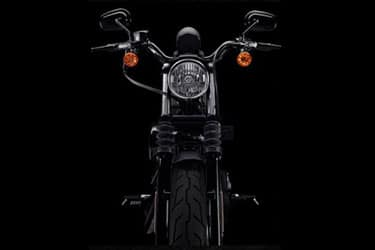 https://di-uploads-development.dealerinspire.com/dibrandhubharleydavidson/uploads/2021/01/2021-Iron883-Features-07.jpg