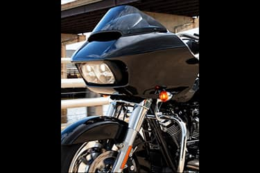 https://di-uploads-development.dealerinspire.com/dibrandhubharleydavidson/uploads/2021/01/2021-RoadGlide-Features-04.jpg