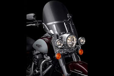 https://di-uploads-development.dealerinspire.com/dibrandhubharleydavidson/uploads/2021/01/2021-RoadKing-Features-03.jpg