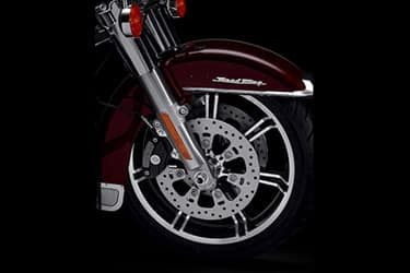 https://di-uploads-development.dealerinspire.com/dibrandhubharleydavidson/uploads/2021/01/2021-RoadKing-Features-05.jpg