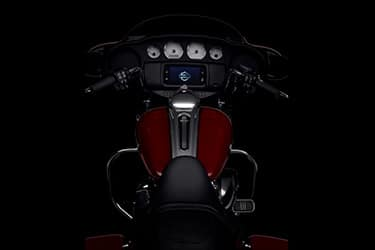 https://di-uploads-development.dealerinspire.com/dibrandhubharleydavidson/uploads/2021/01/2021-StreetGlide-Features-03.jpg