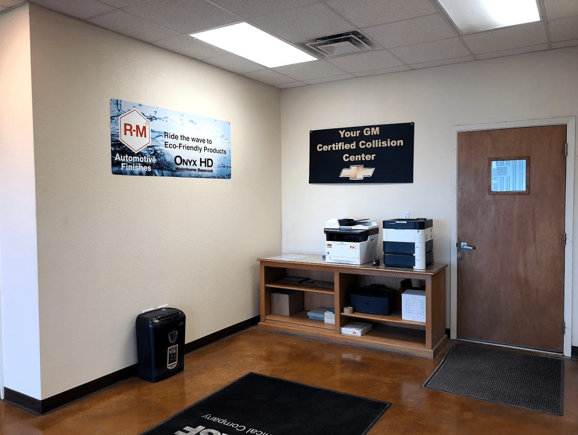 DonRingler_Collision_Center_Welcome_Area