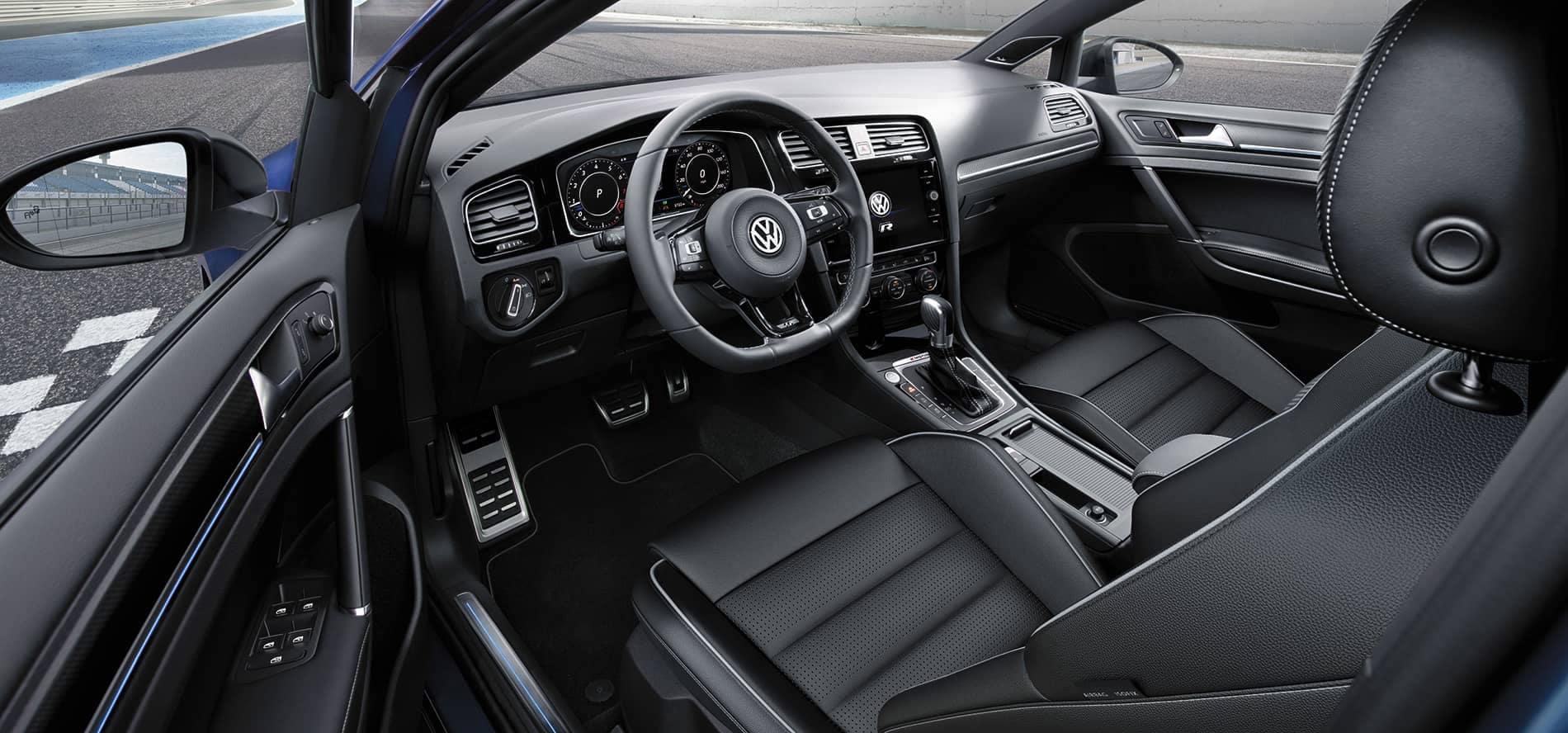2019-GolfR-interior VW Volkwagen