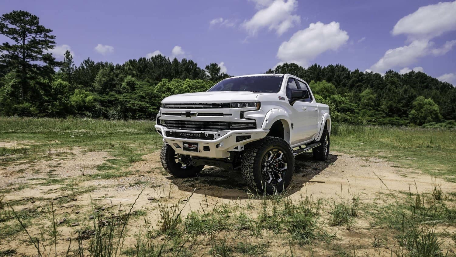 2019_Chevy_Black_Widow_White_with_Bumper