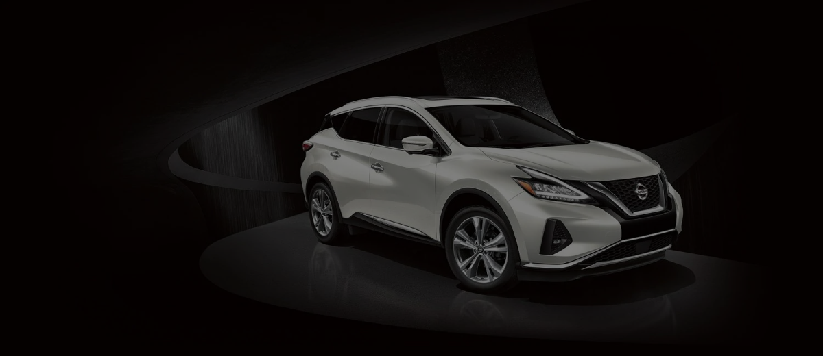 high res White Nissan Murano looking cool