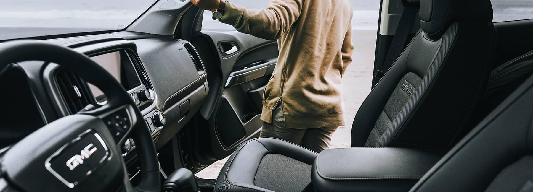 2020 GMC Canyon Interior Front Seat