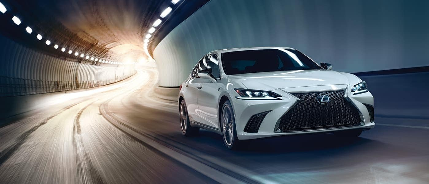 2019 lexus es in white