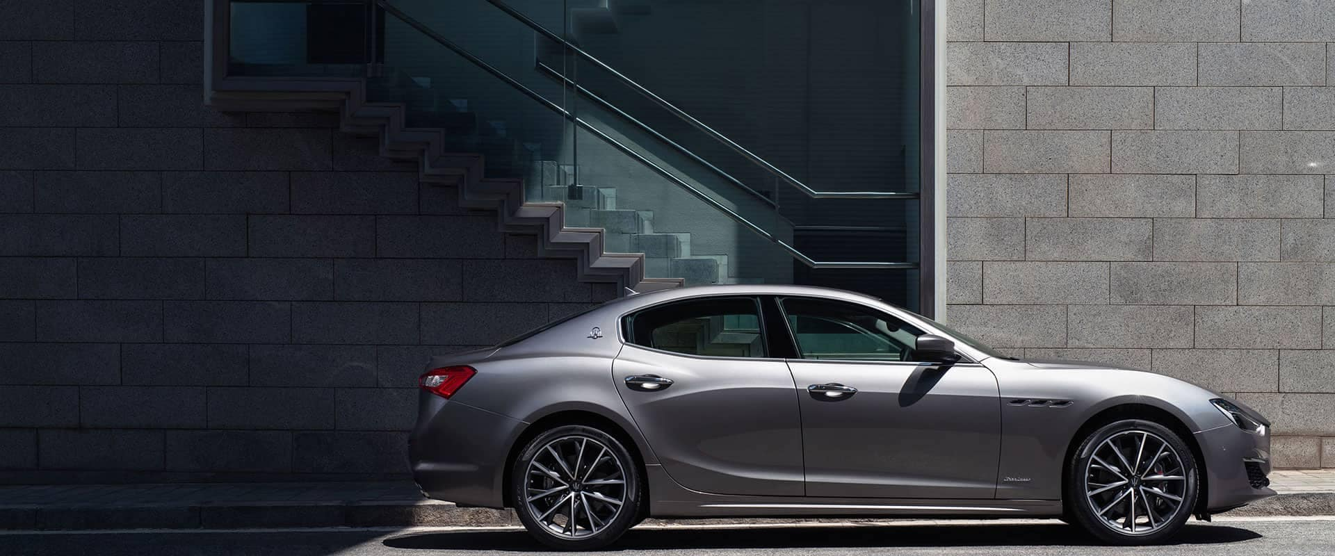 Silver 2019 Maserati Ghibli Sideview