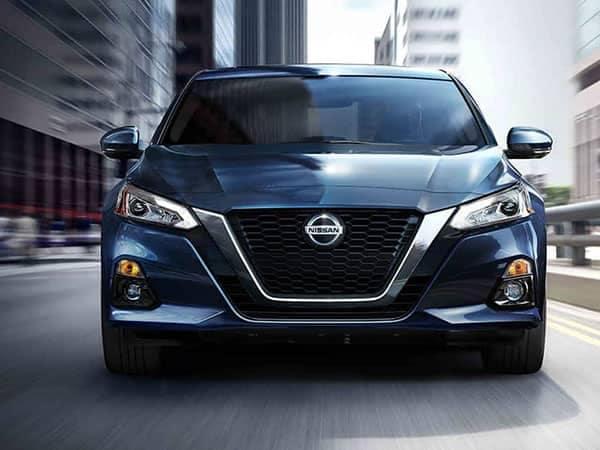 2019-Nissan-4-(1)
