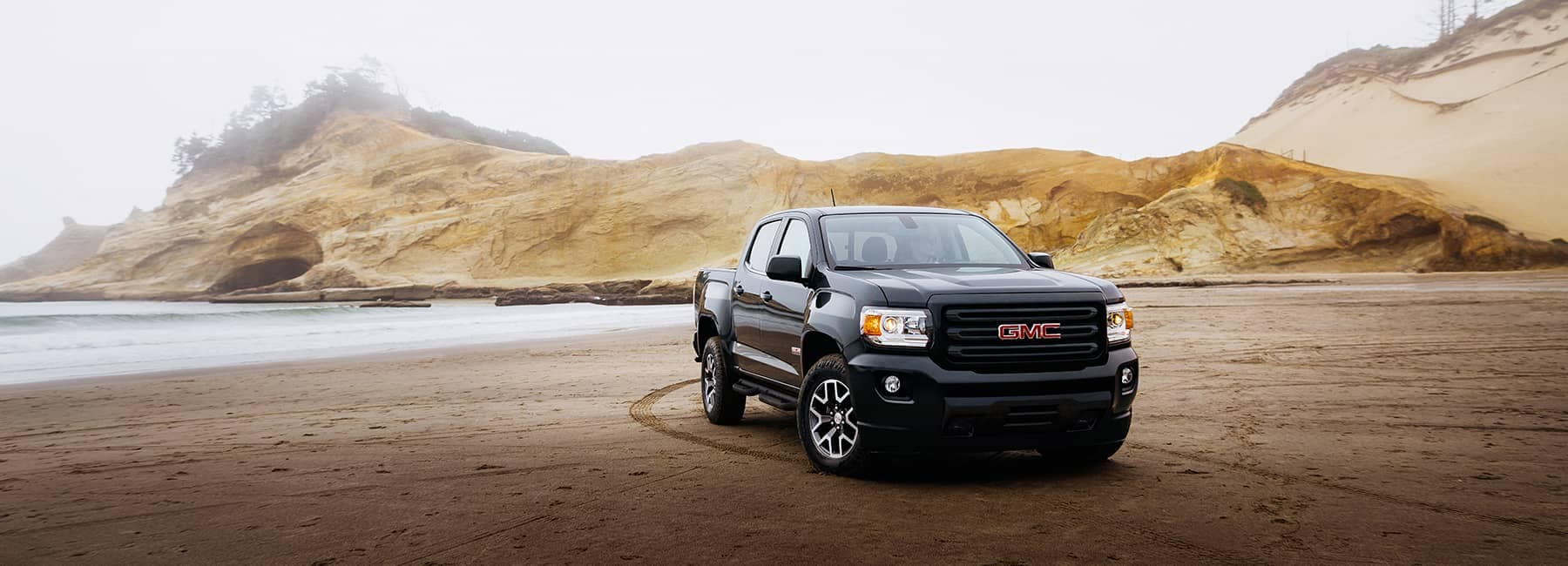 Black 2020 GMC Canyon
