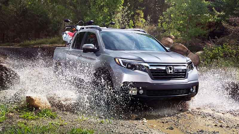 2018 Honda Ridgeline Off-Roading Through Water and Mud