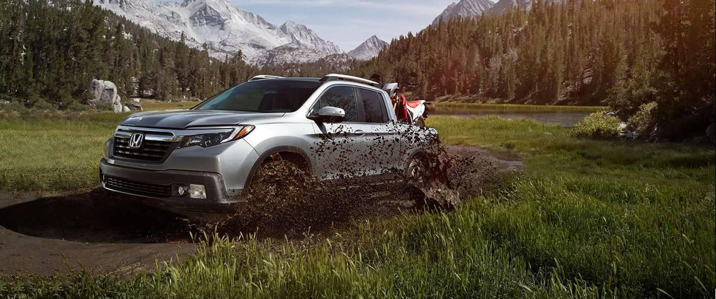 2019 Honda Ridgeline Off-Roading in Mud