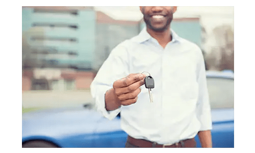 Sell-Us-Your-Car-Man-With-Keys