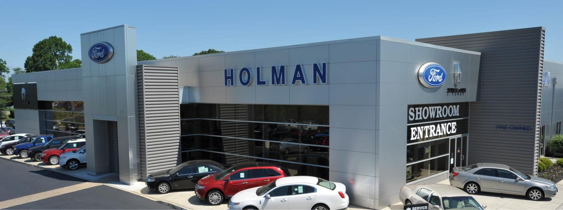 exterior view of Holman Ford Maple Shade