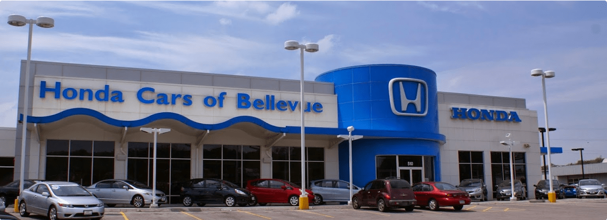 Picture of the front of the Honda Cars of Bellevue dealership
