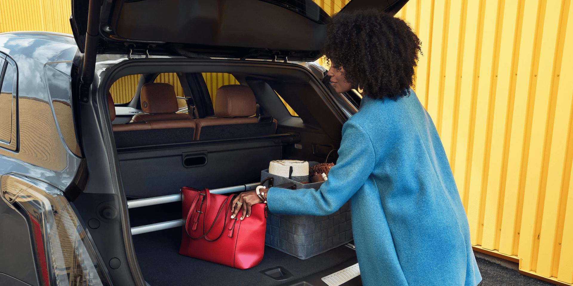 Cadillac XT5 hands free liftgate