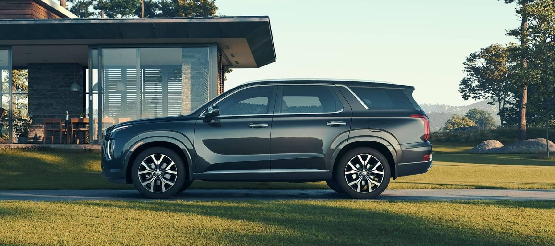 2020-hyundai-palisade-parked-in-front-of-a-house-1800x800