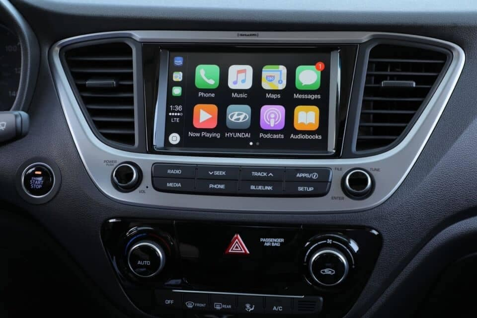 2021 Accent control panel and navigation screen