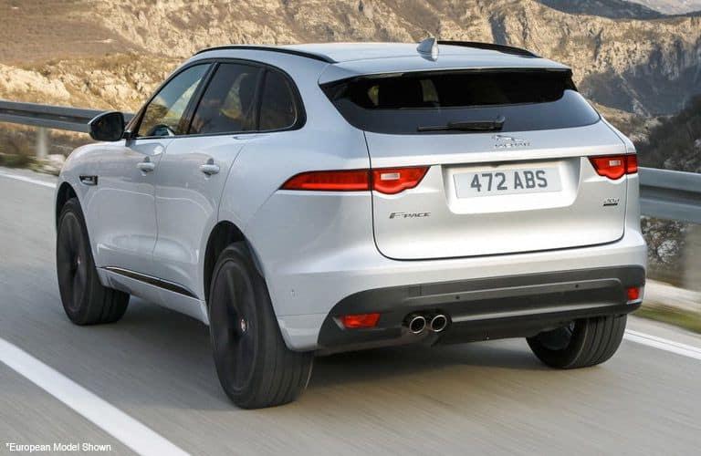 2019-Jaguar-FPACE_3-B_o