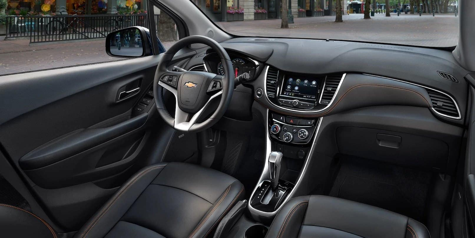 2019 Chevrolet Trax interior leather dashboard technology