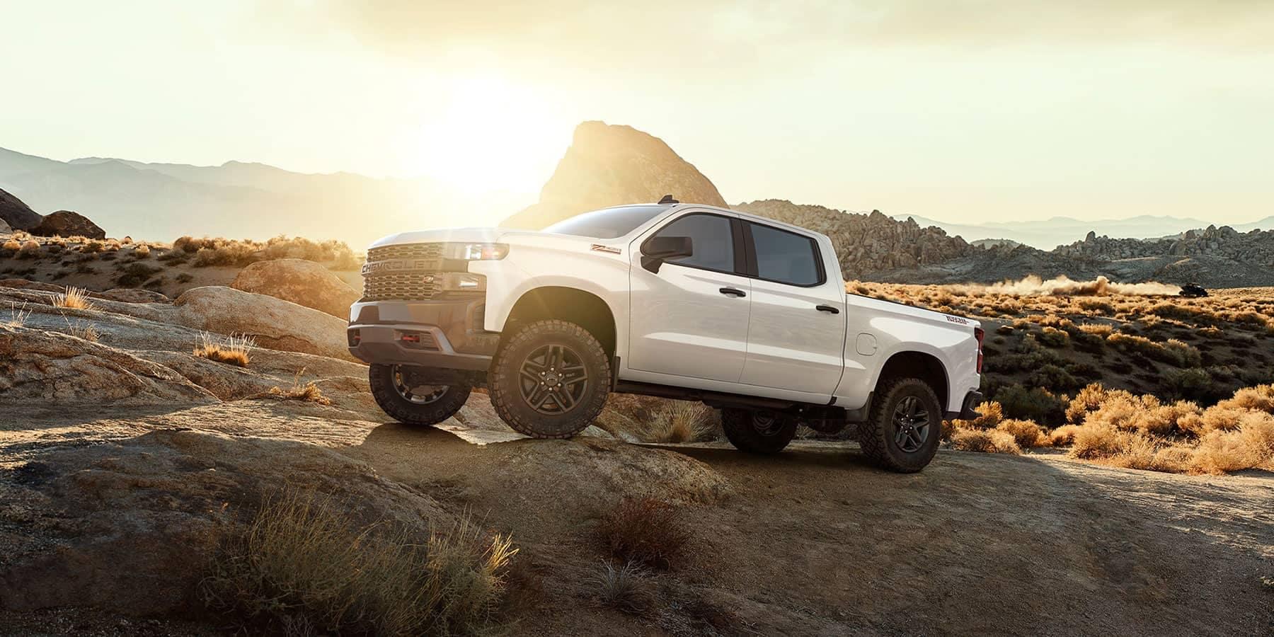 2019-Chevrolet-Silverado-In-The-Desert