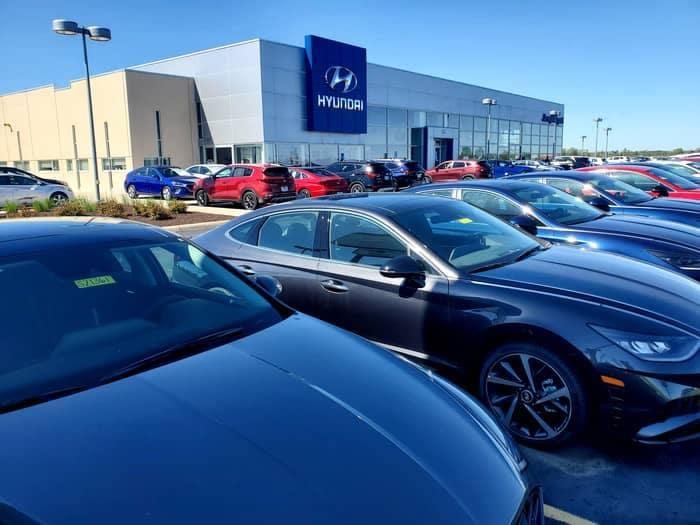 Joseph Airport Hyundai dealership with cars