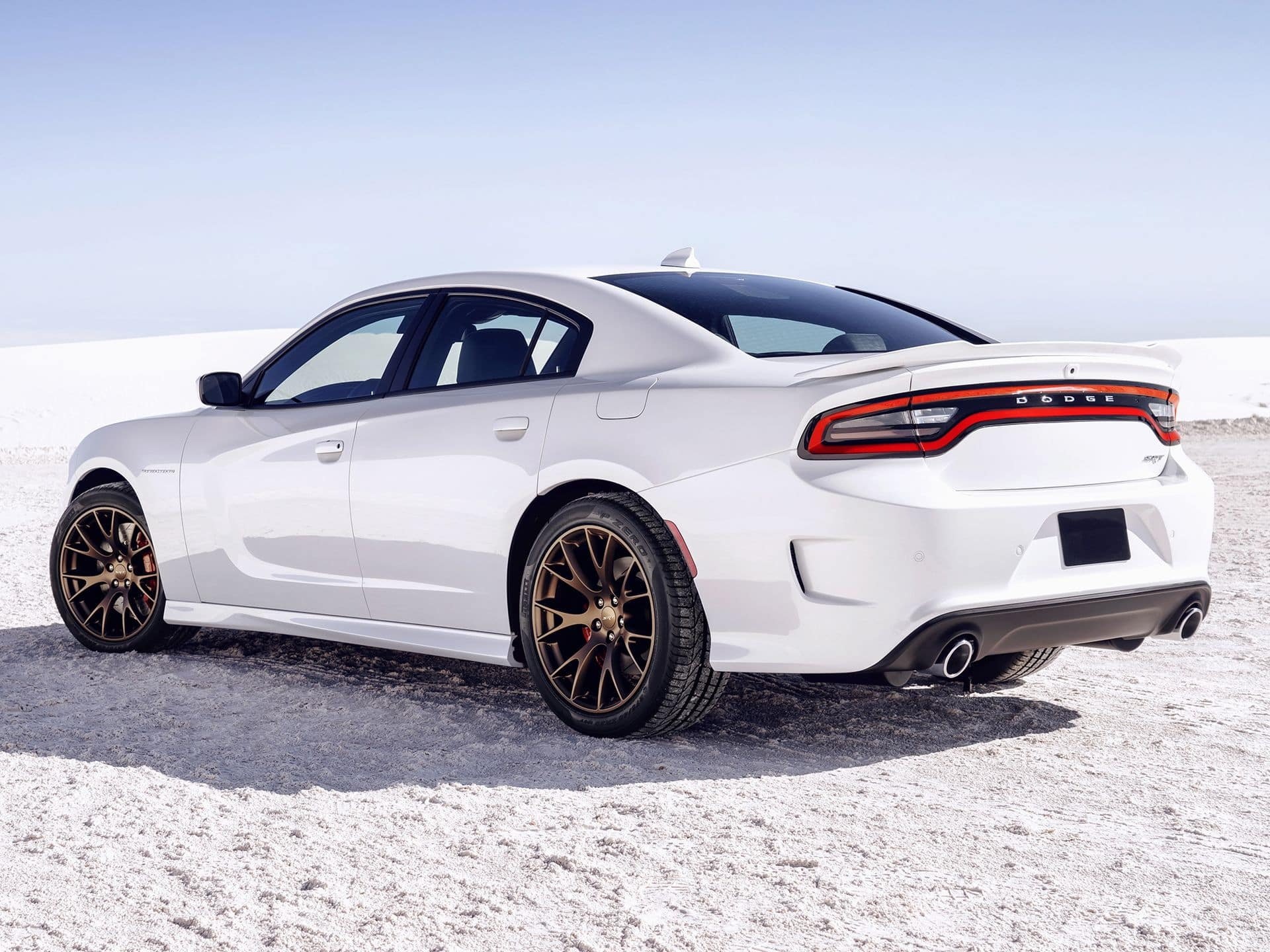 2015_Dodge_Charger_SRT_Hellcat_4