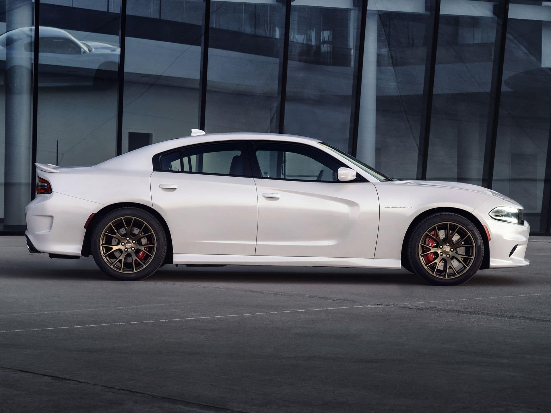 2015_Dodge_Charger_SRT_Hellcat_6