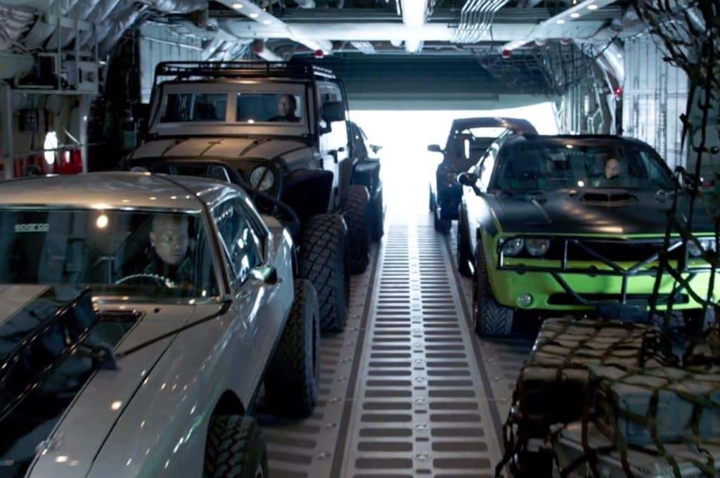 Parachuting-cars-in-Furious-7