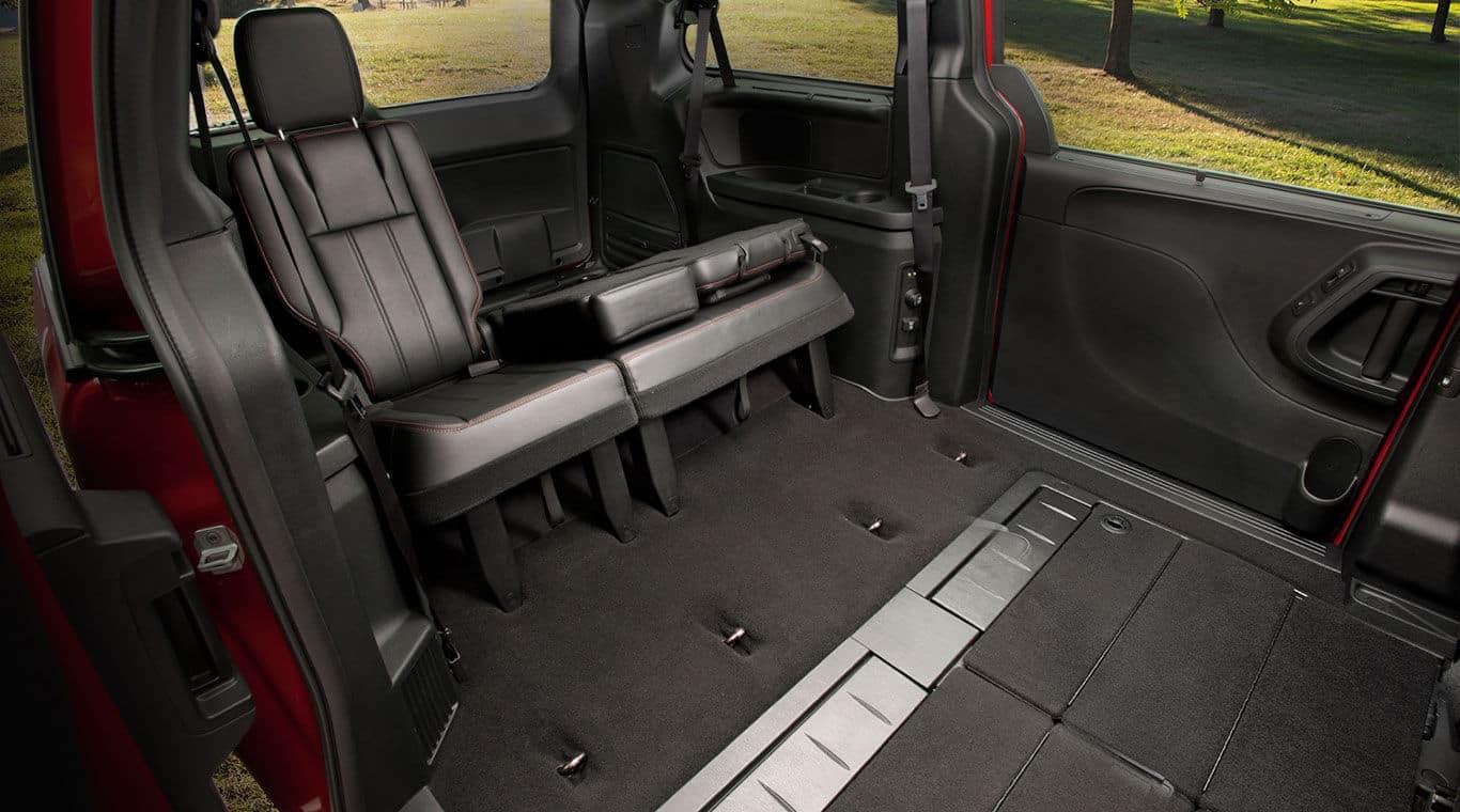 2015 Dodge Grand Caravan Vs 2015 Nissan Quest
