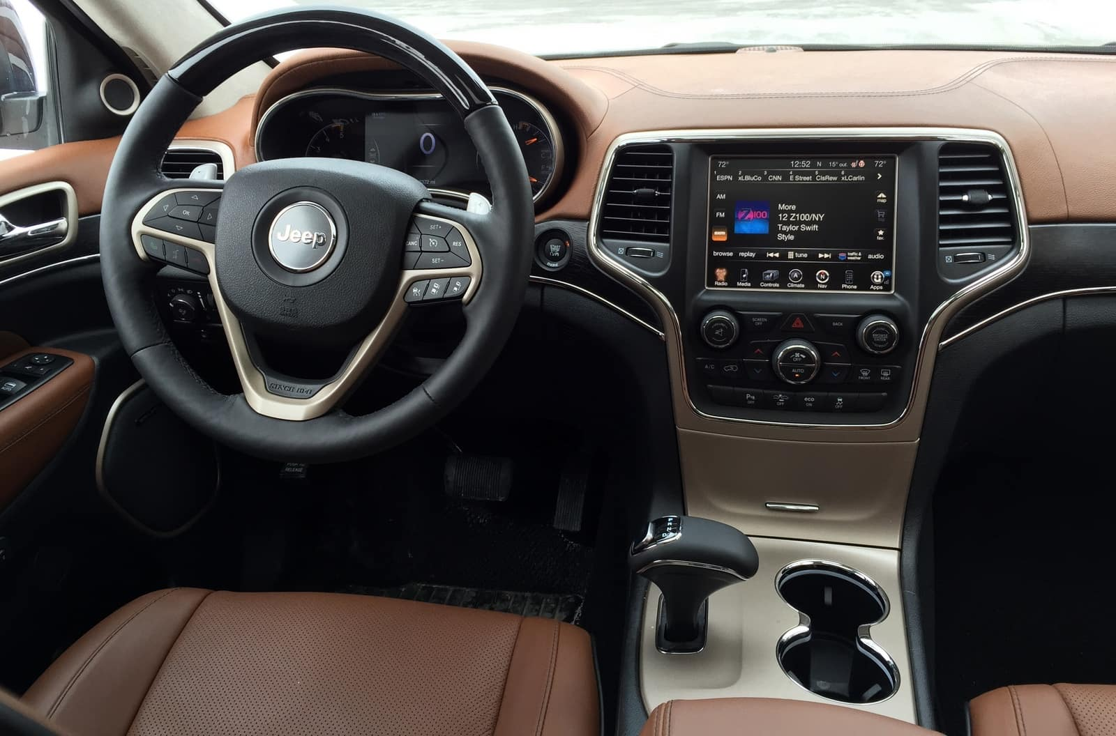 After Nabbing Another Award, This Time The Prestigious WardsAuto 10 Best  Interiors Award In 2014, The 2015 Grand Cherokee Continues To Please With  Its ...