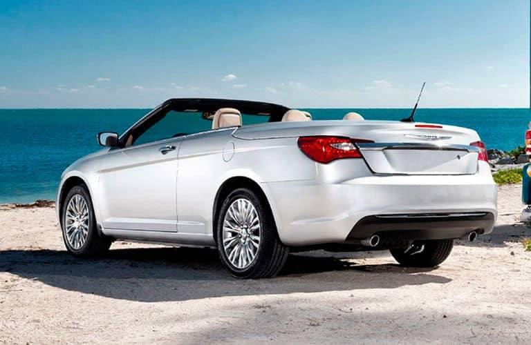 2014-Chrysler-200-Convertible-C1