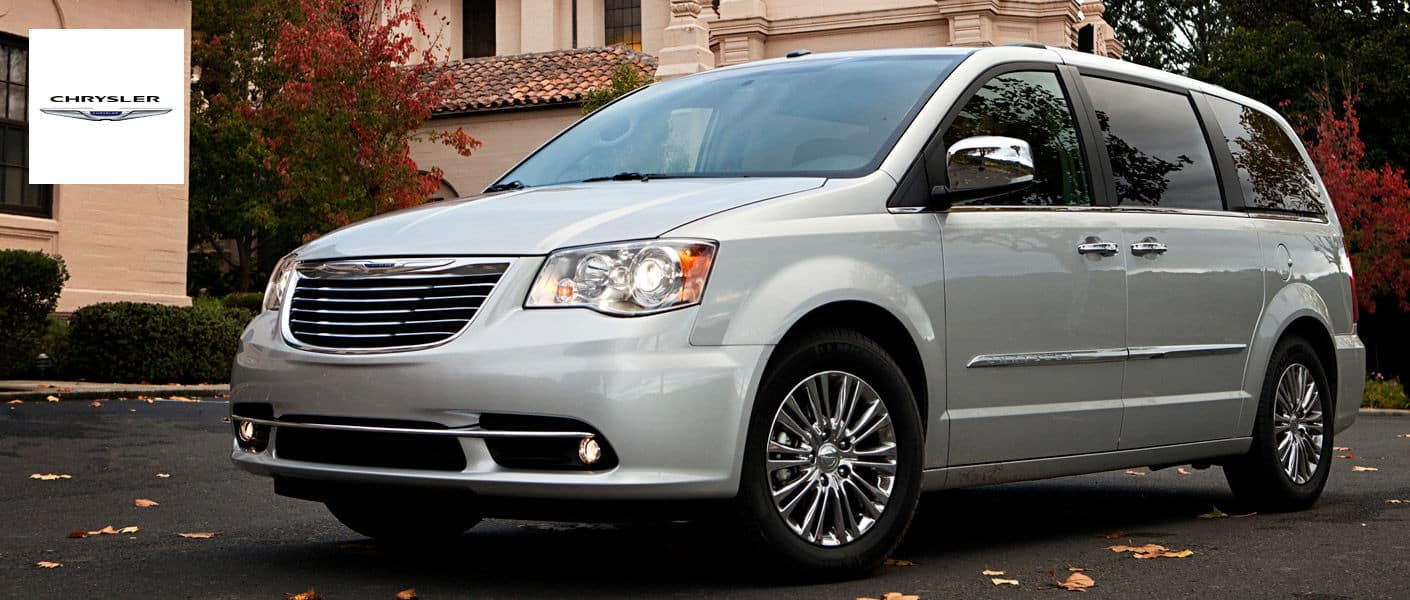 2014-Chrysler-TownCountry-A1